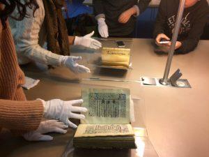 Consultation des manuscrits, BMVR, Alcazar Marseille, le 30 novembre 2016 (Photo: É. Attia)